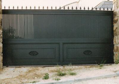 Puerta de garaje chalet