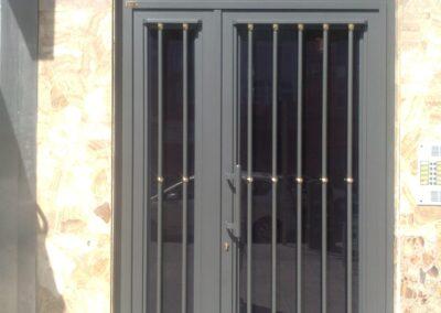 puerta comunidad madrid