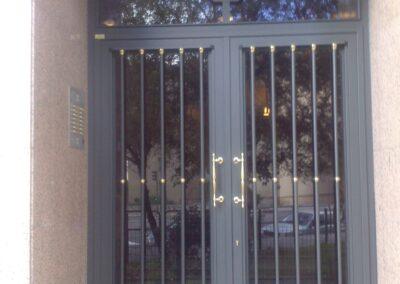 puertas de comunidad