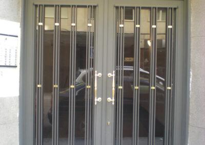 puertas de comunida madrid